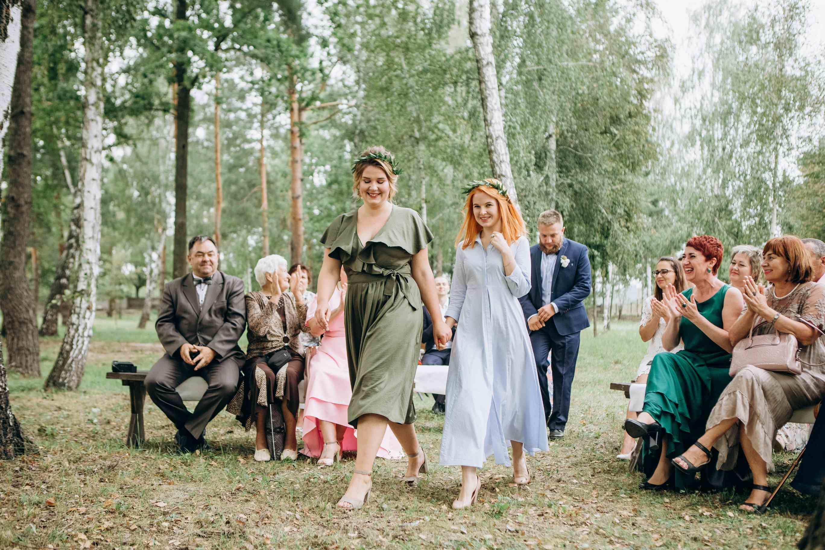 выход подружек невесты на церемонии