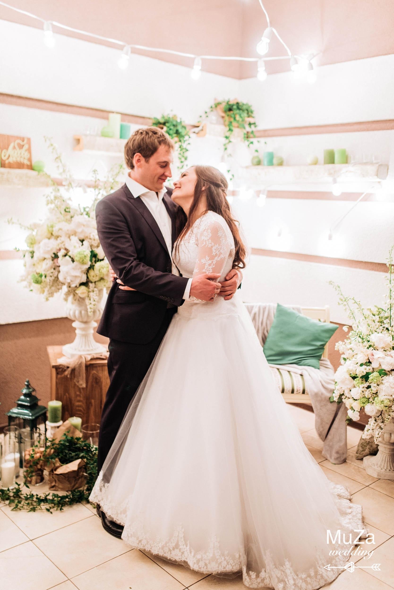 Жених и невеста, вечерняя фотозона