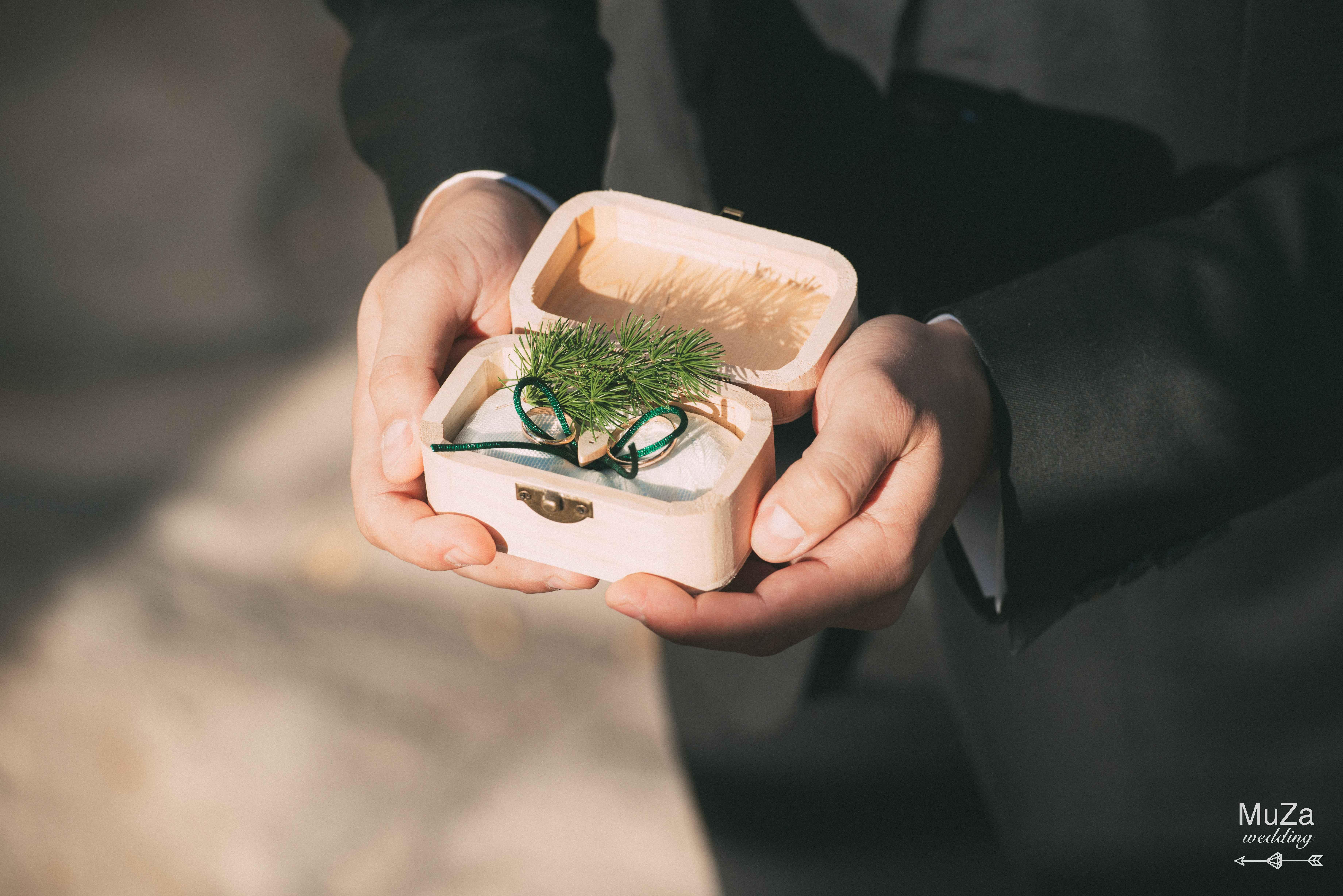 обручальные кольца на свадьбе