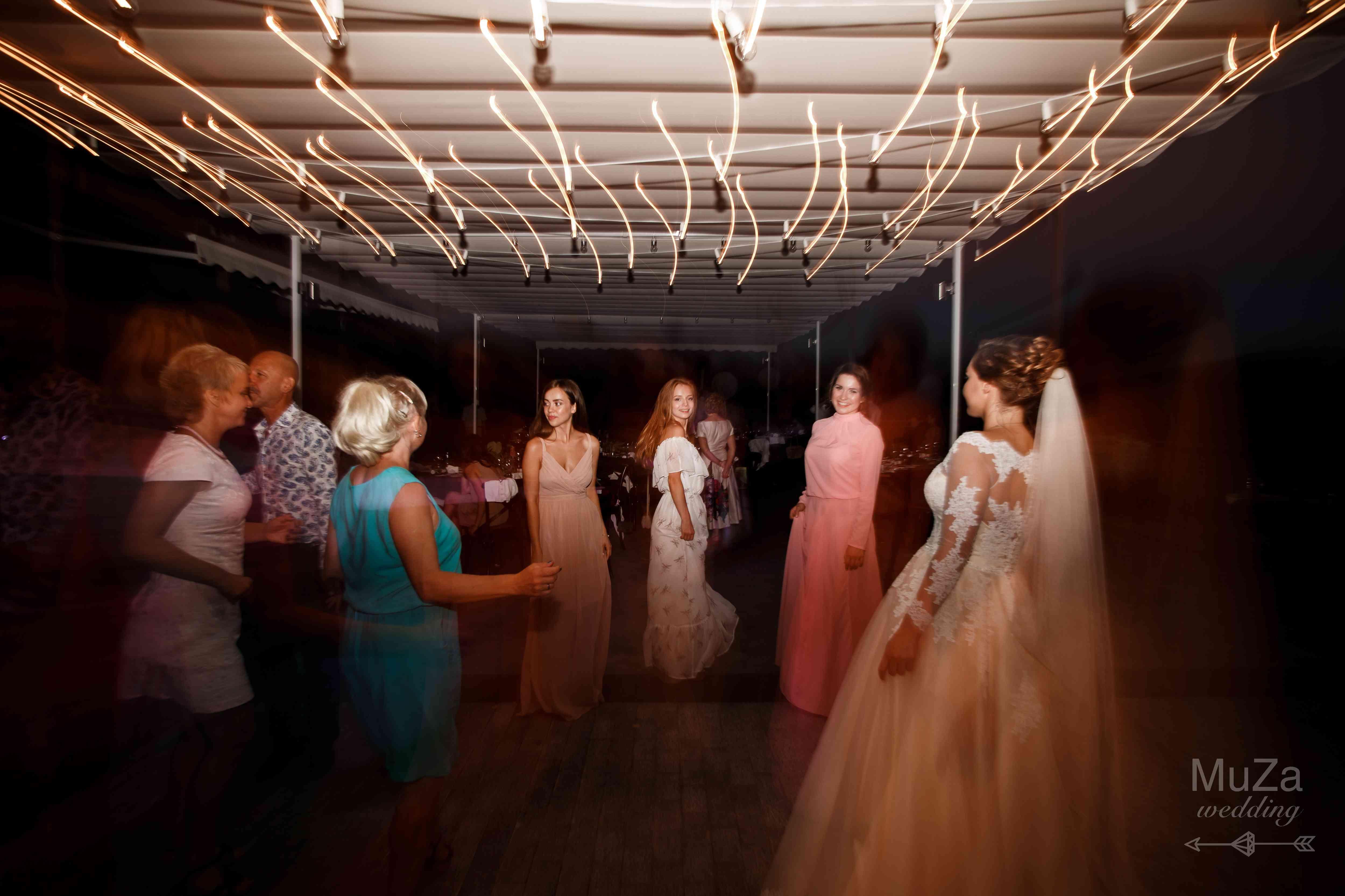 танцпол, свадьба, лампочки, гирлянда