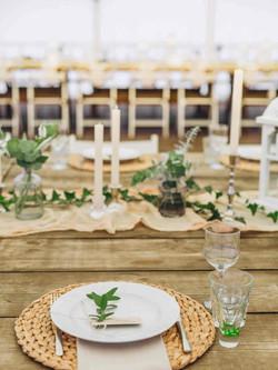 свадьба длинный стол декор