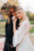 Красивая стильна, невеста с яркой губной помадой, стильный образ невесты, свадебное агентство MuZa-wedding Киев