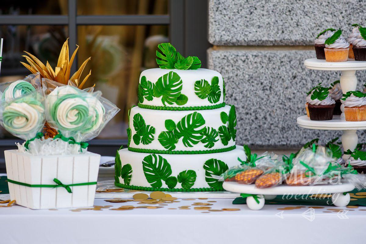 свадебный торт на кенди-баре