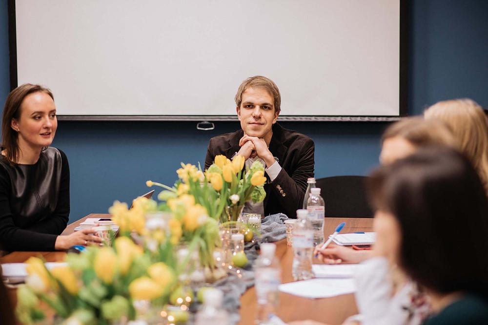 Вячеслав Матюхин, ведущий, теле-ведущий, спикер на обучающем интенсиве от свадебного агентства MUZA-wedding, о взаимодействии ведущего и координатора на свадьбе