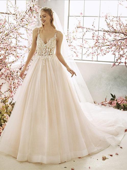Musas bridal dress