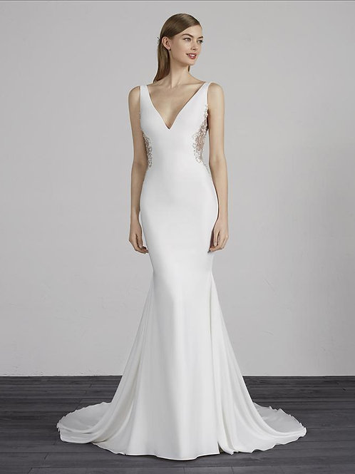 Maxime wedding gown