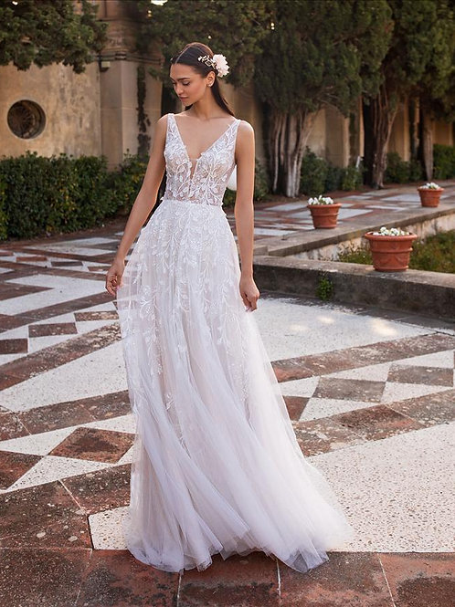 Elara bridal gown