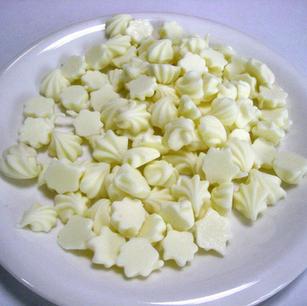 セミチョコホワイト