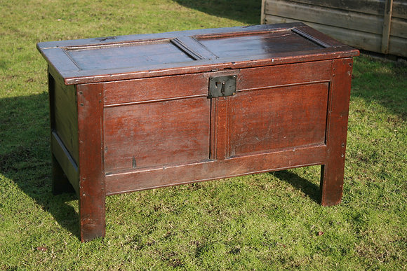 Late 16th/Early 17th c Oak Coffer