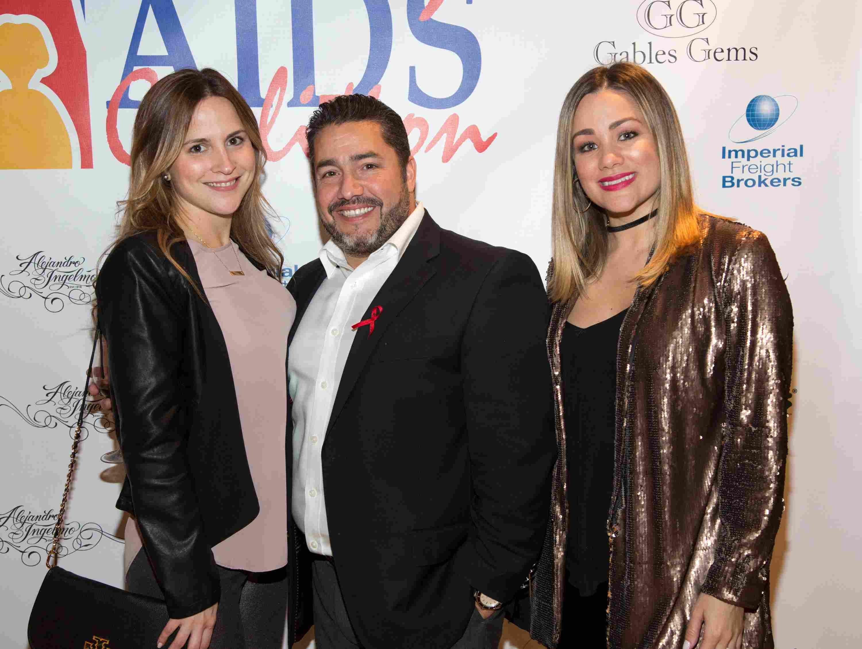 Arianna Reguera, Manny Rodriguez y Gloria Ordaz-134
