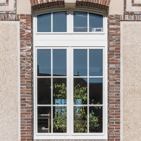 Réalisation pose de fenêtre en bois