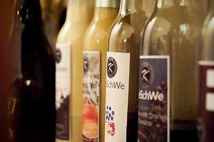 Likör in Flaschen als Bild für die Rubrik Werler Dessertgetränke