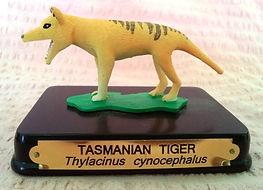 Tasmanian_Tiger_souvenir_statue.jpg