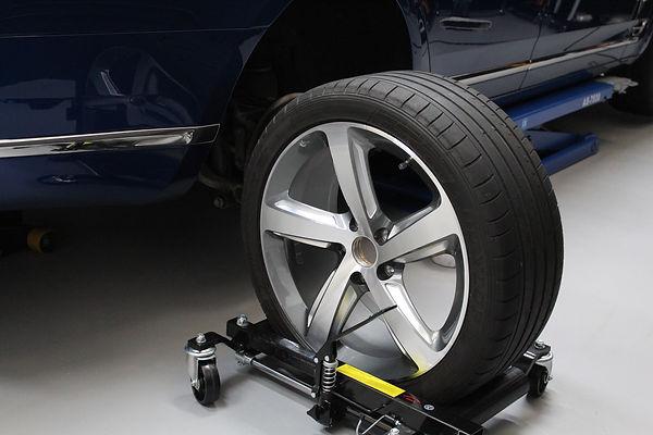 Bentley Mulsanne - Alloy Wheel Refitting