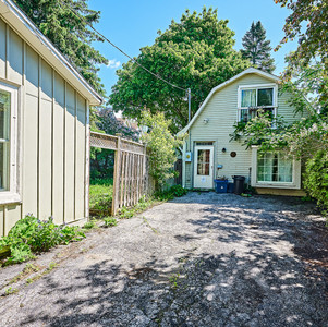 4993 Old Brock Rd, Claremont-CARRIAGE SU