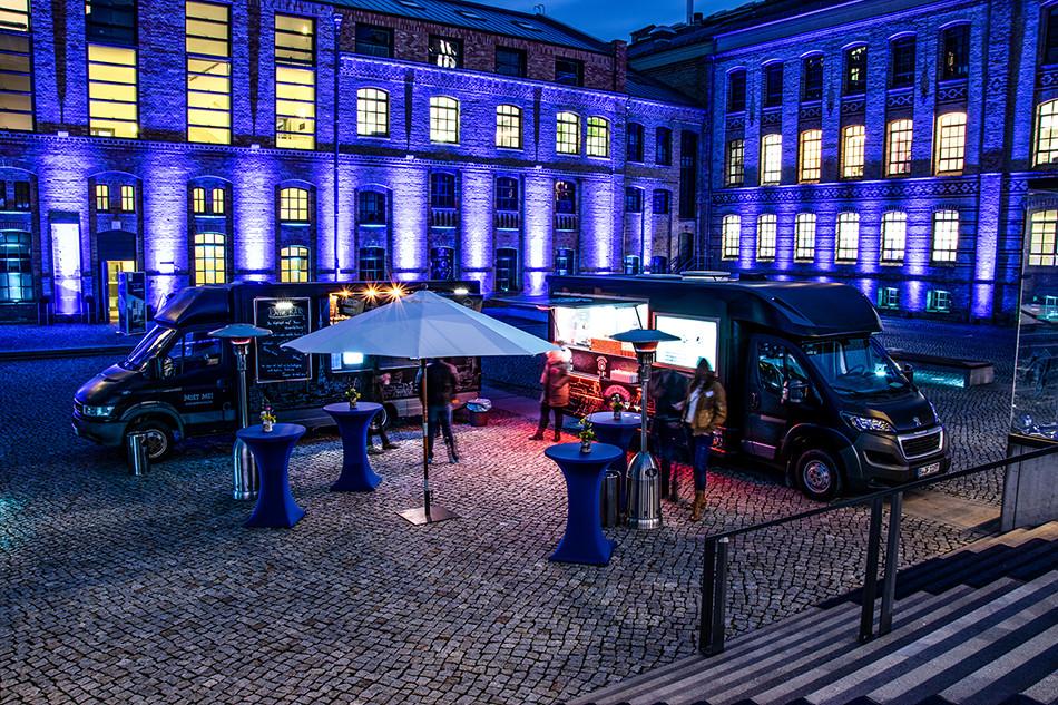 Food Art Truck Pasta Piraten Innenhof KPM Event