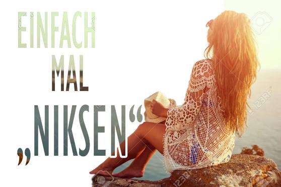 52467181-junge-frau-im-hut-und-netten-so
