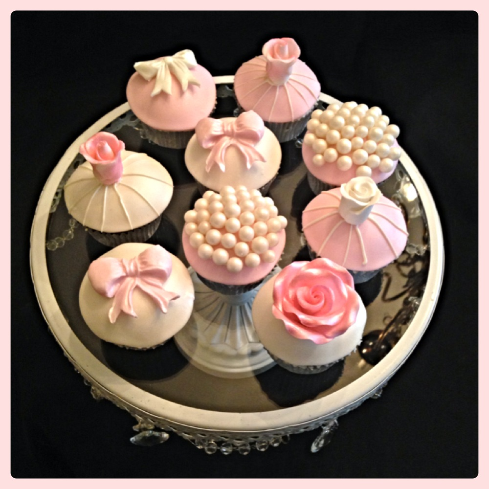 Pink Bow, Pearls and Rose Cupcakes