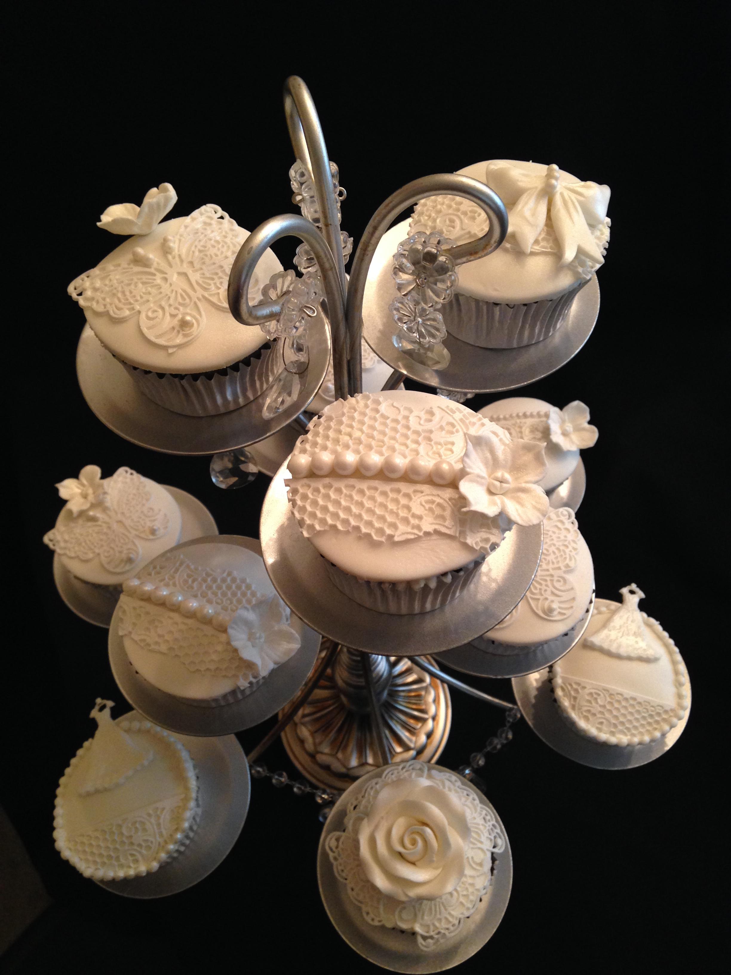 Romantic Theme Cupcakes