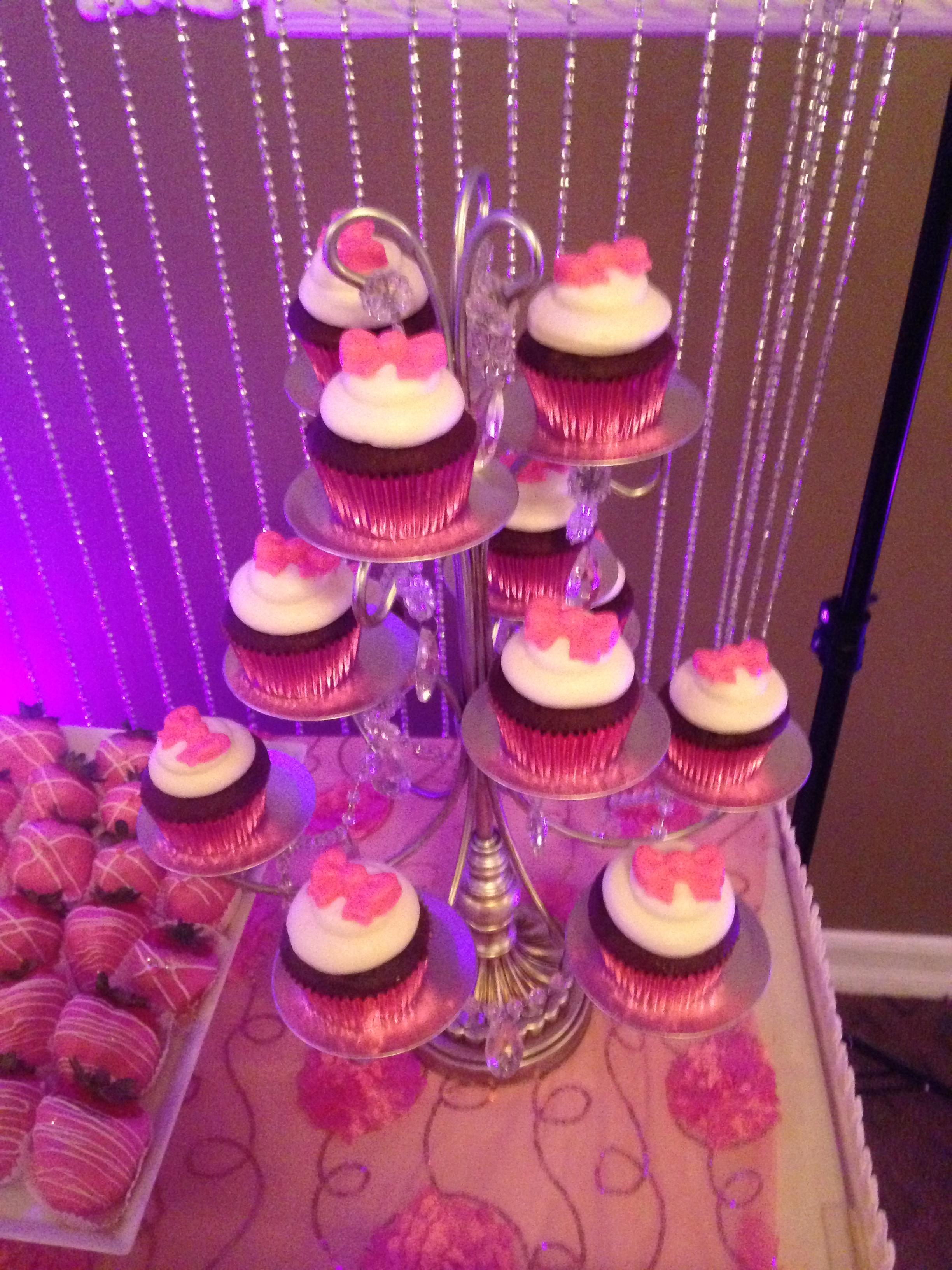 Pink Bow Cupcake
