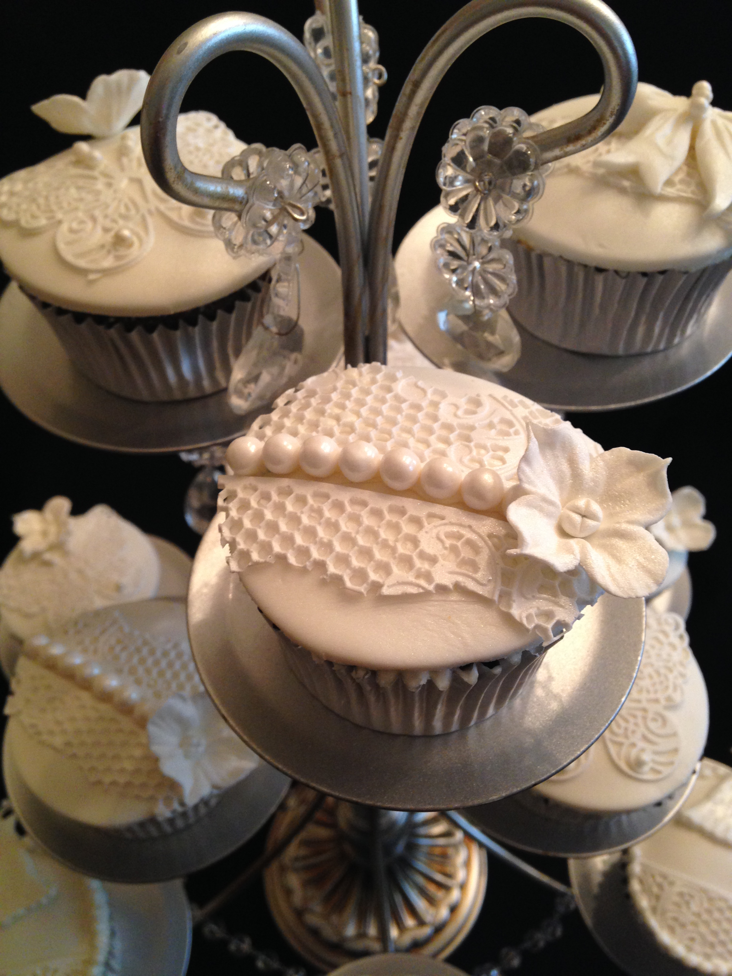 Lace and Pearl Detail Cupcake