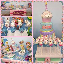 Cupcake theme dessert table