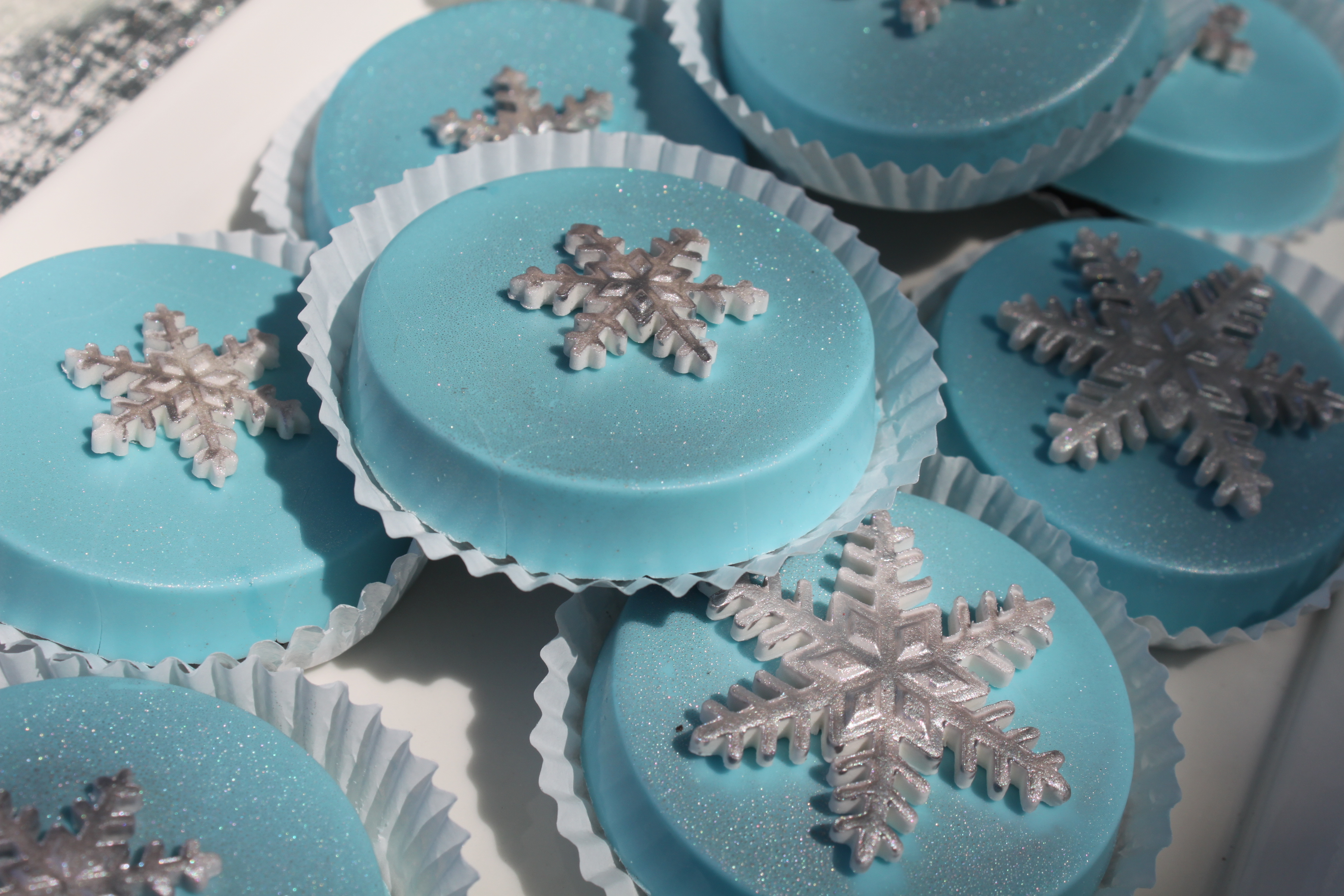 Frozen Theme Choco Covered Oreos