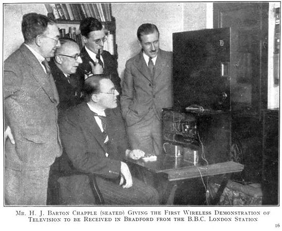 Wireless demonstration of television