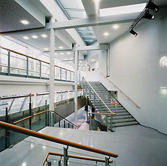 UCI_Kino_Innenhof2.jpg