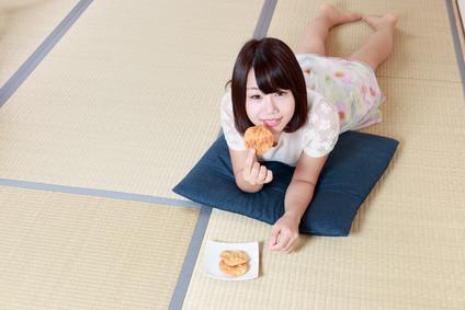 """あなたの部屋にもぜひ!畳ベッドの魅力 Why don't you try """"Tatami Bed"""" in your room?"""