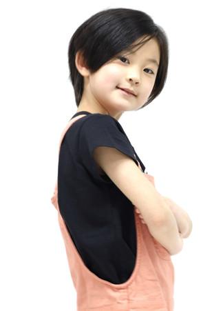 名前:ERU 身長:124㎝ シューズサイズ:19.0㎝ 誕生日:2012.9