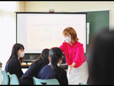 英理女子高等学院にて今年もメイクスマイル授業をさせていただきました!