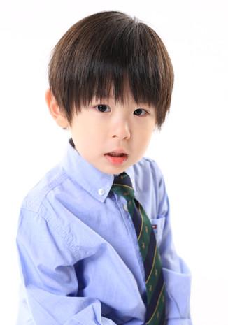 名前:TAKANOBU 身長:100cm シューズサイズ:16.0cm 誕生日:2016.6