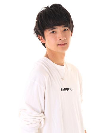 名前:AYUMU 身長:176cm シューズサイズ:26.5cm 誕生日:2001.10