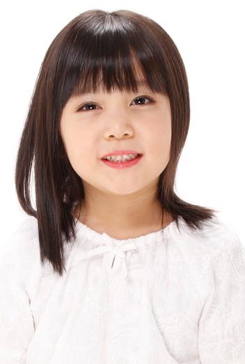 名前:SHII 身長:107cm シューズサイズ:17.5cm 誕生日:2013.11
