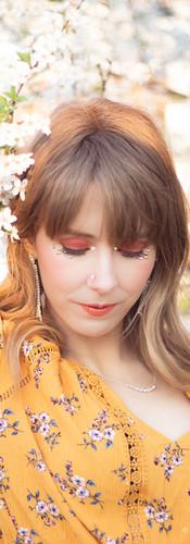 Festlig makeup på Mikaela och foto av Sophia