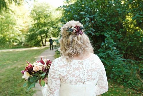 Halvuppsättning till bruden CC med blommor