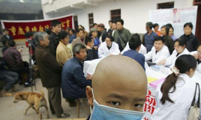 เพื่อประชาชน จีนยกเลิกภาษีนำเข้ายาต้านมะเร็ง