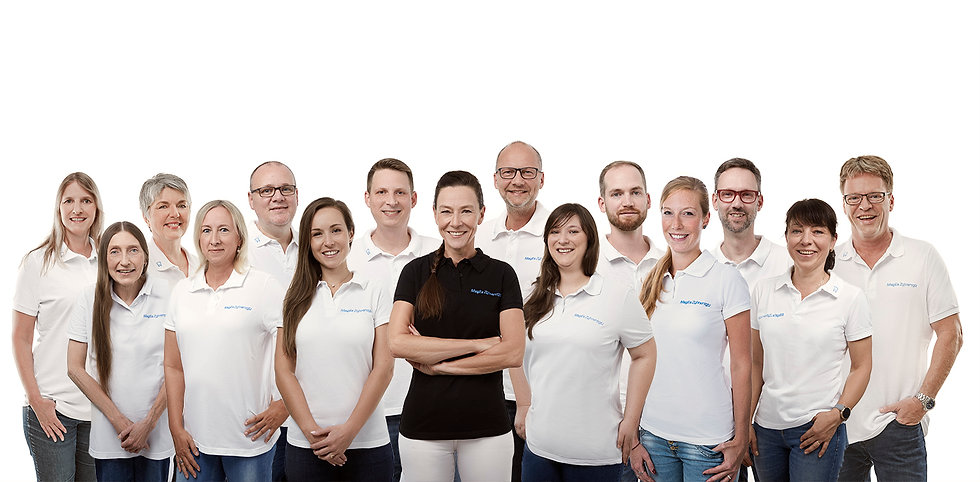 Mages_Zahnersatz_Gruppenfoto