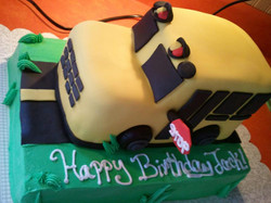 3-D Bus Cake