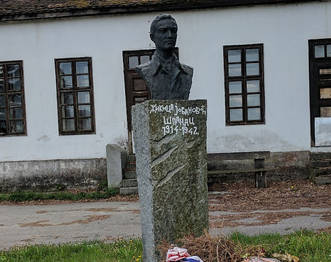 "A photo of a sculpture of Žikica Jovanović ""Španac"" (Жикица Јовановић ""Шпанац"")"