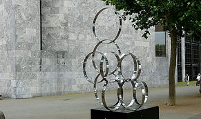 1024px-Sculpture_Rings_Mainz.jpg
