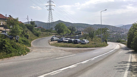 Turn off of main road towards Veles spomenik