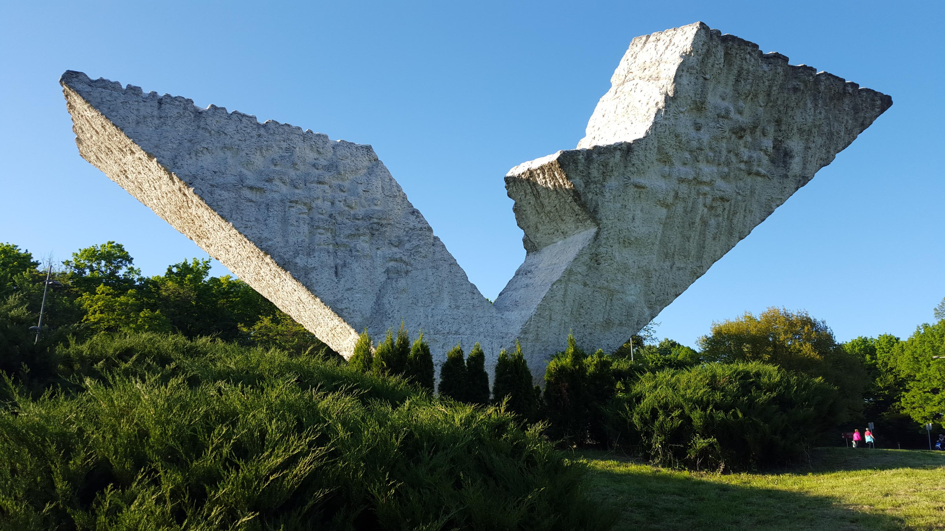 Spomenik @ Kragujevac