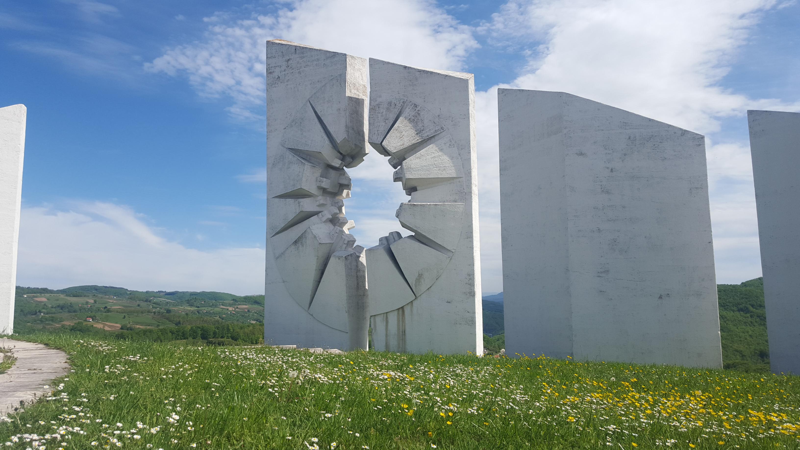 Spomenik @ Kadinjača