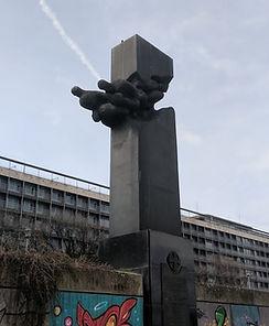 Pilot monument3.jpg