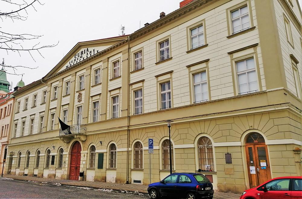 Radnice v Terezíně byla na konci II. světové války sovětským vojenským velitelstvím