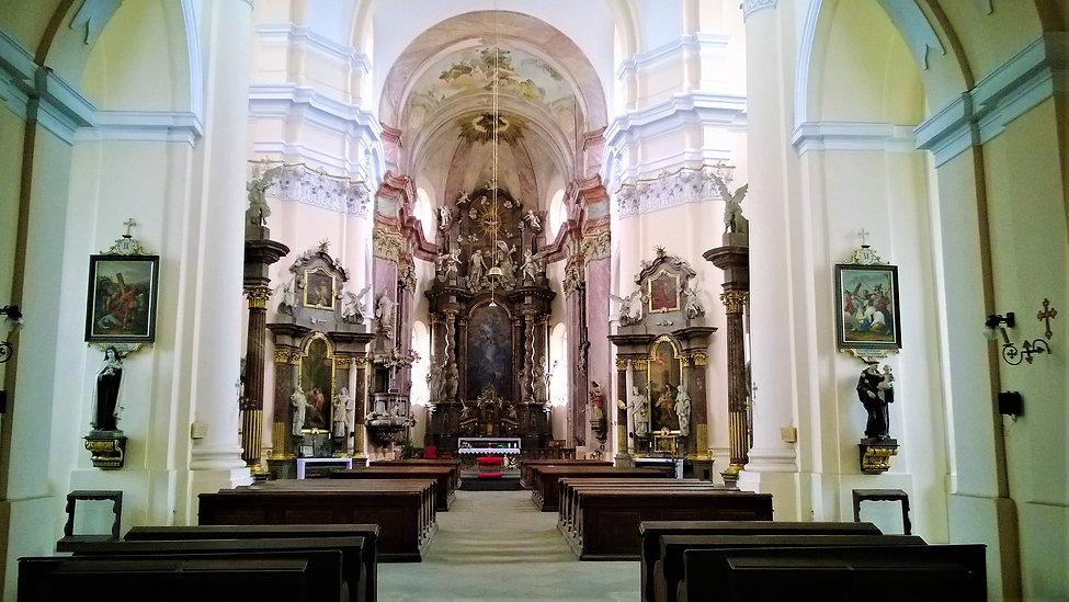 Uvnitř kostela Nanebevzetí Panny Marie v Přešticích