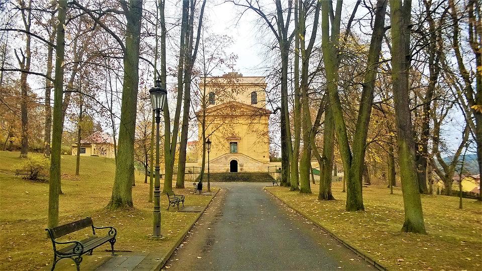 Hrobka Metternichova rodu v Plasech.jpg