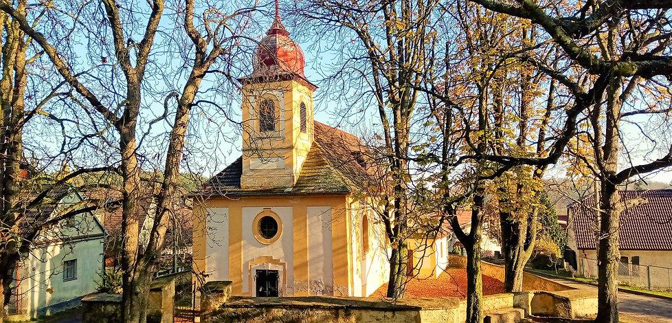 Kostel Povýšení svatého Kříže v Tisu u B